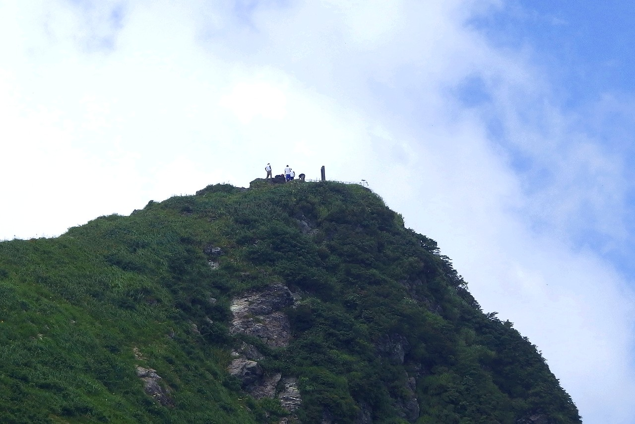 谷川岳 西黒尾根から見あげたトマの耳