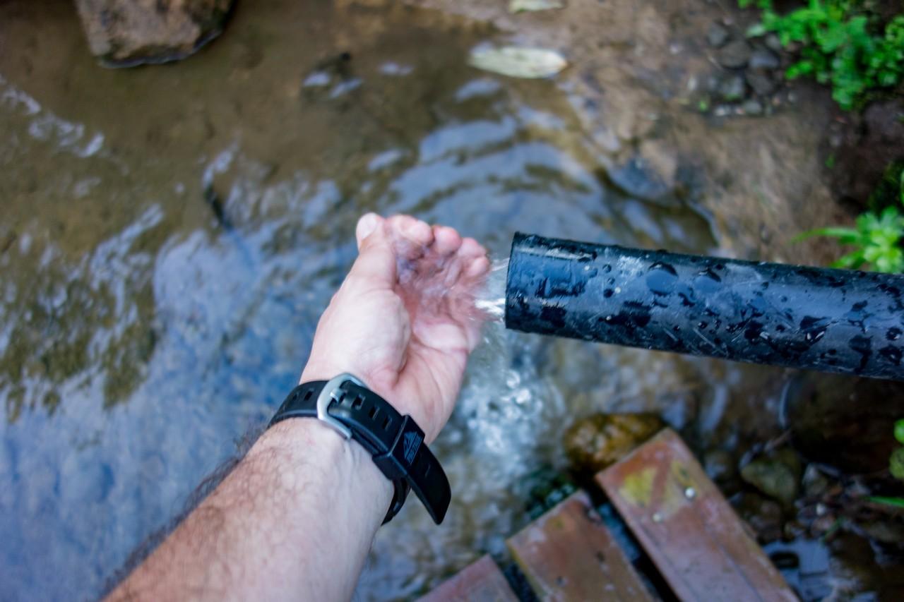 火打山 高谷池ヒュッテの水場