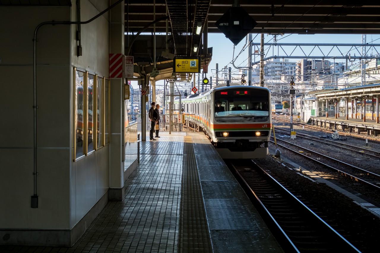 拝島駅に入線する八高線
