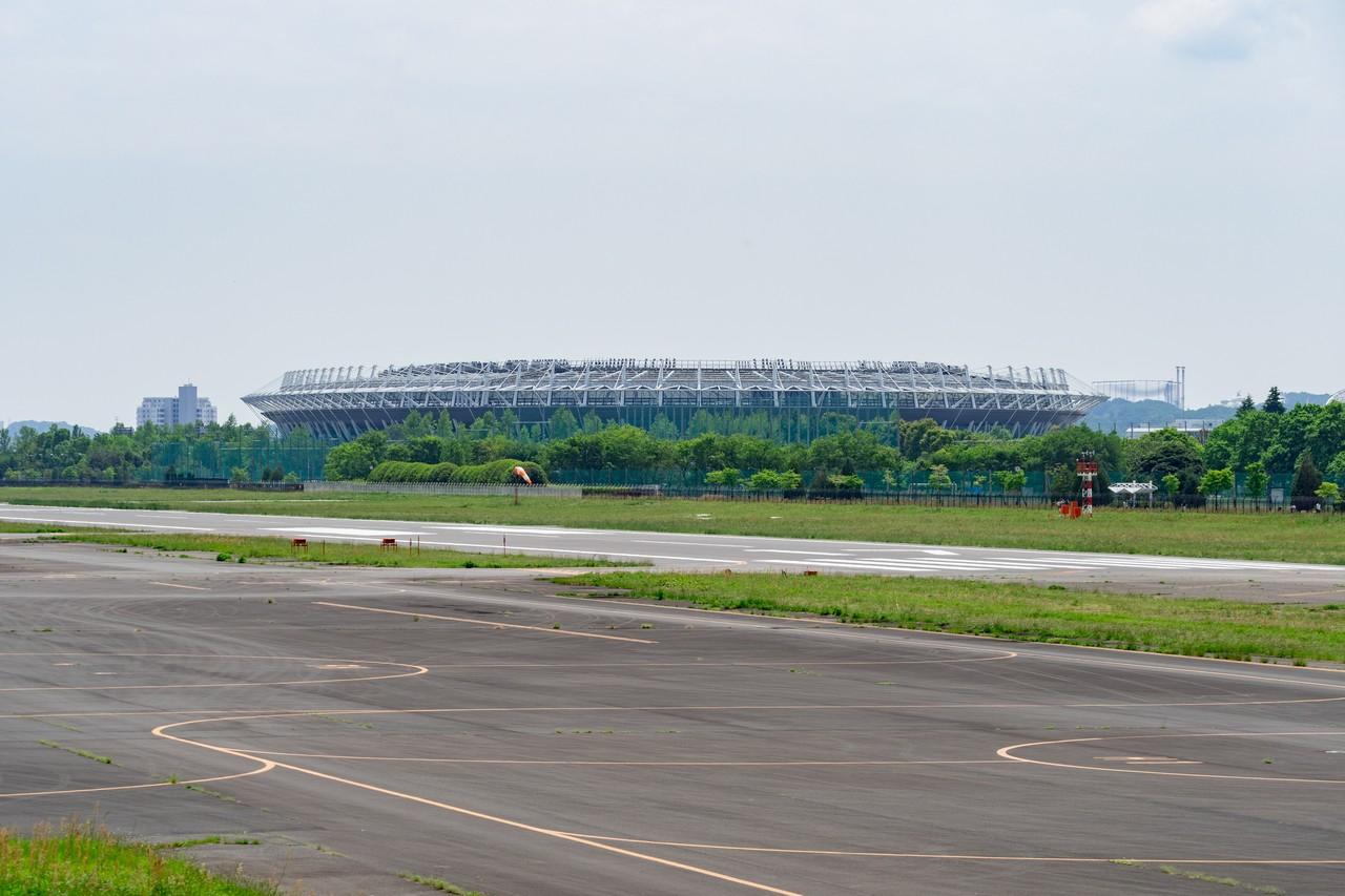 調布飛行場から見た味の素スタジアム
