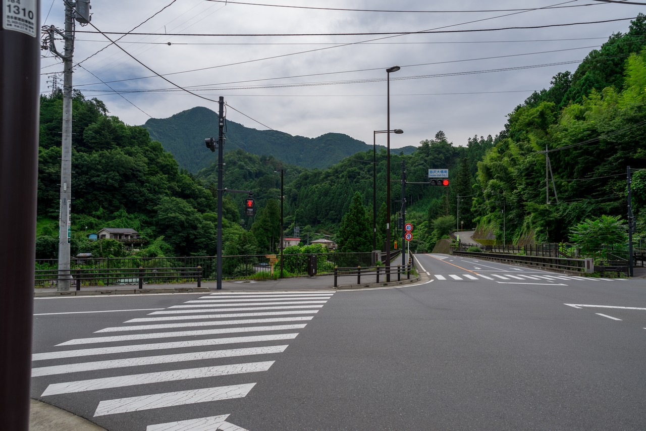 奥多摩 海沢集落の交差点