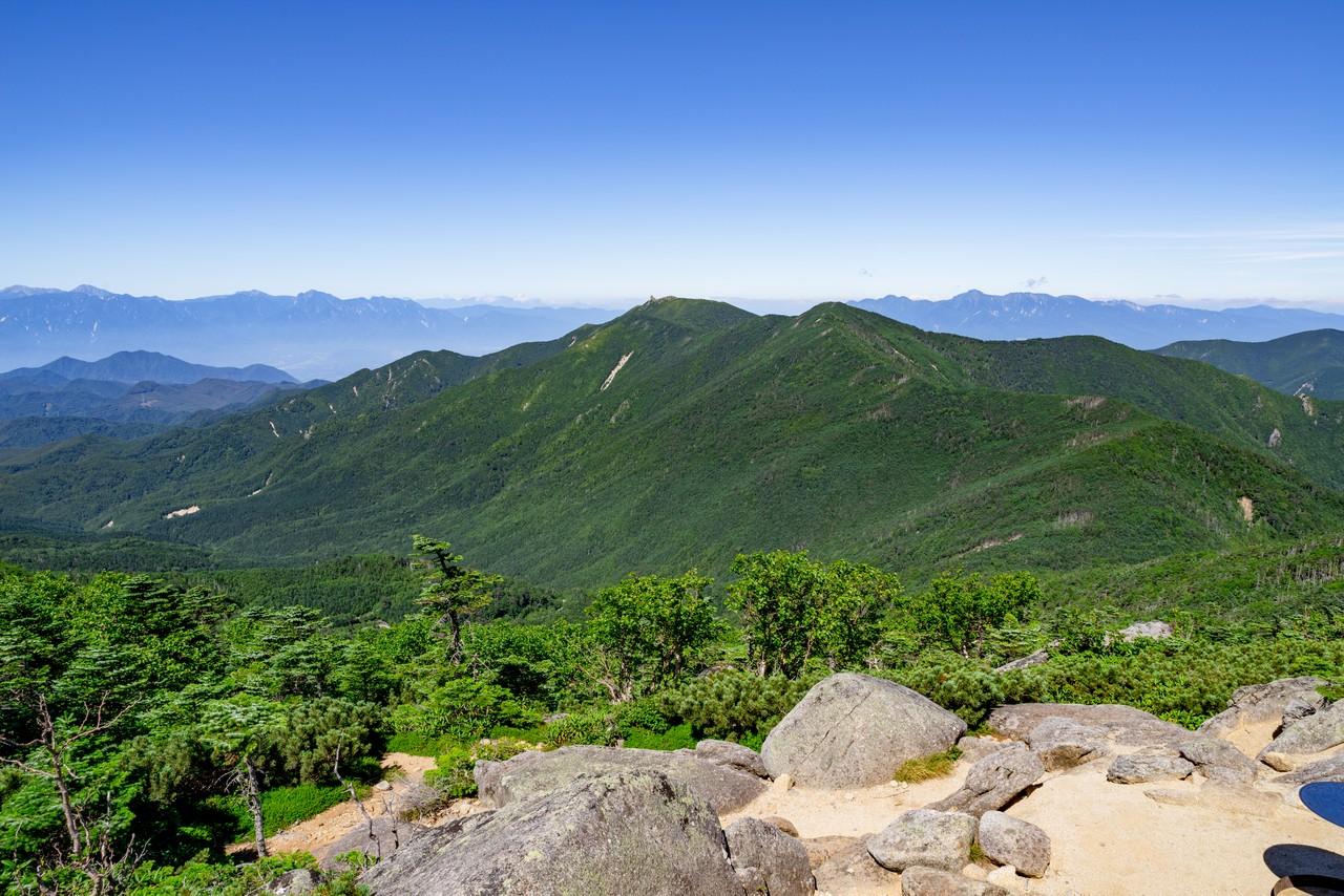北奥千丈岳から見た金峰山