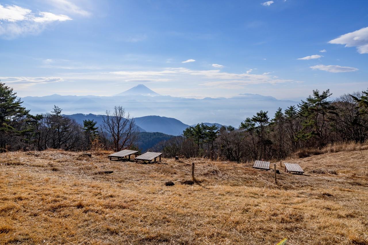 帯那山の山頂から見た富士山