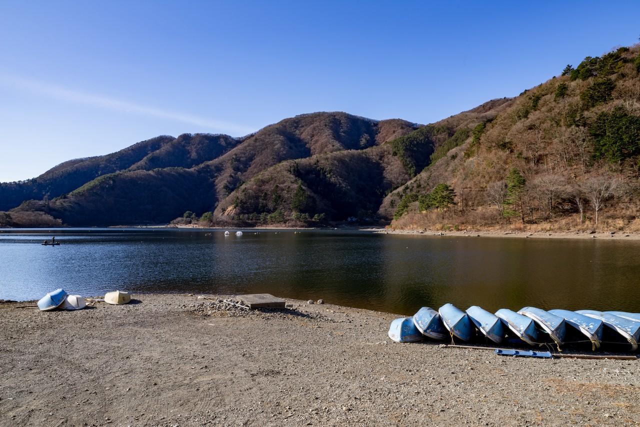 精進湖から見たパノラマ台
