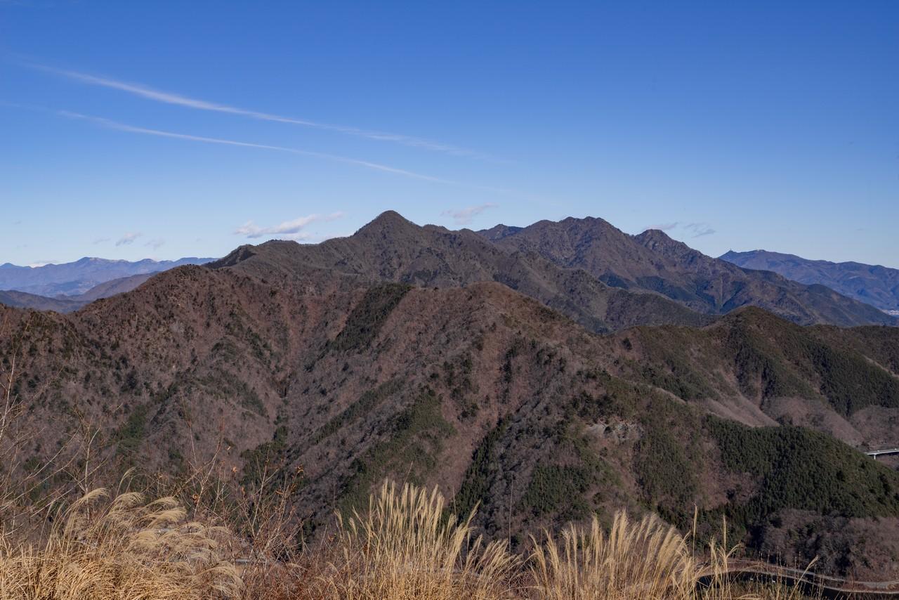 パノラマ台から見た御坂山地