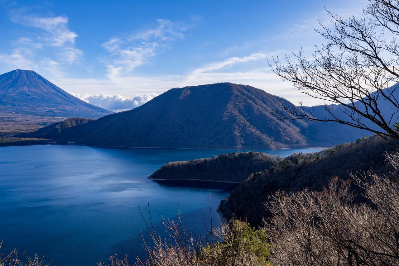 中ノ倉峠から見た竜ヶ岳