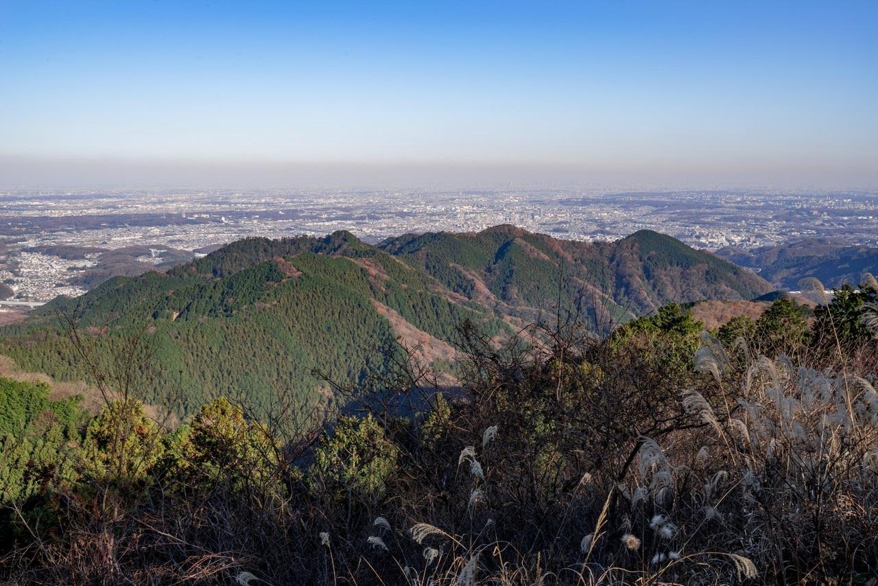 景信山からみた北高尾山稜