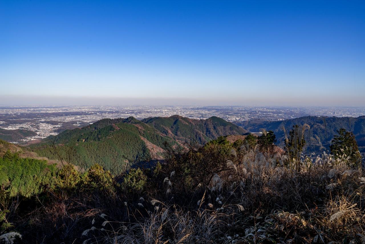 景信山から見た3北高尾山稜