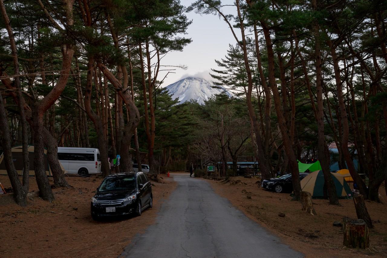 本栖湖キャンプ場から見た富士山