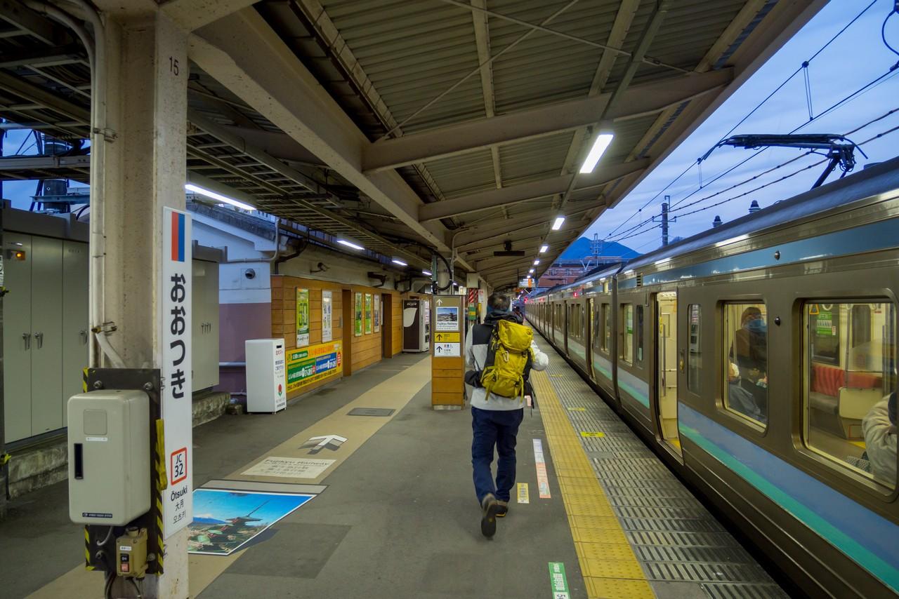 JR大月駅のホーム