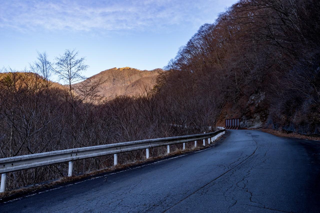 林道真木小金沢線から見た白谷ノ丸