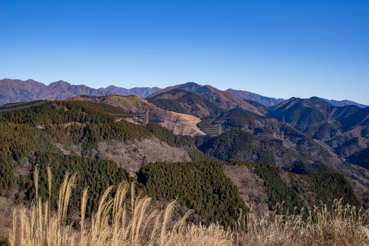 大野山から見た日影山