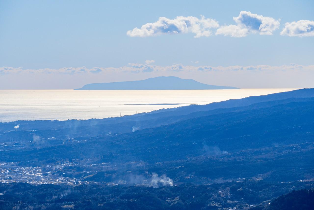 大野山から見た伊豆大島