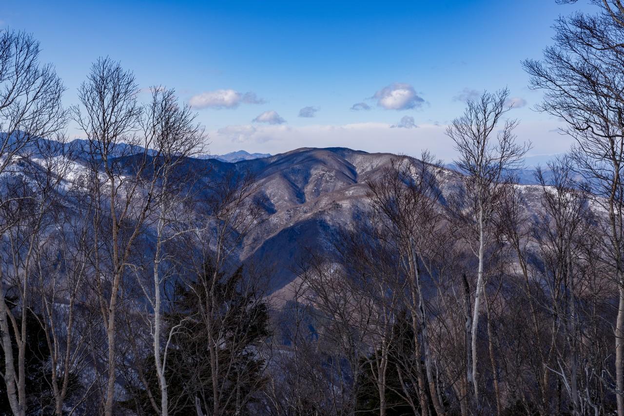 雲取山から見た和名倉山