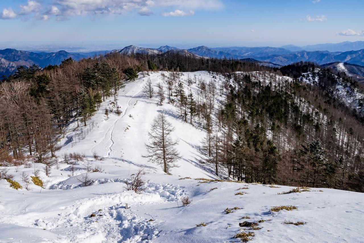 雲取山の山頂から見た石尾根