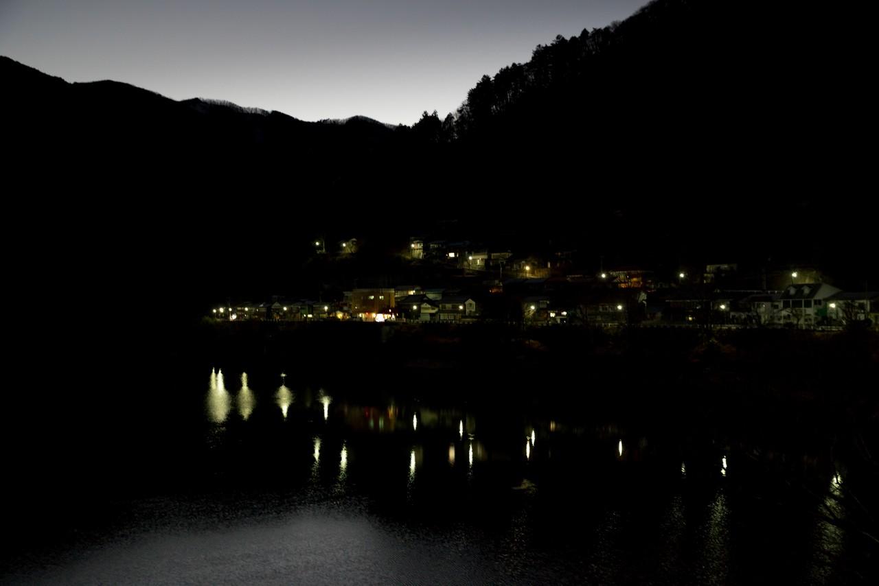 夜の鴨沢集落