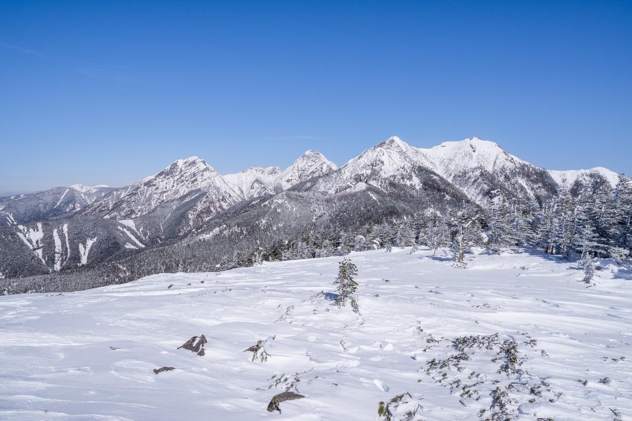 編笠山から見た冬の南八ヶ岳