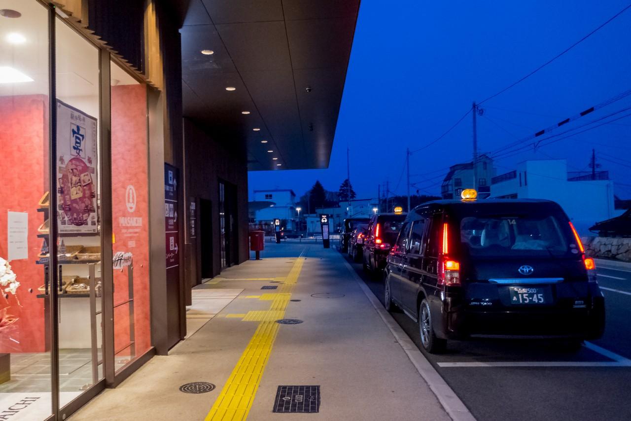 小淵沢駅のタクシー乗り場
