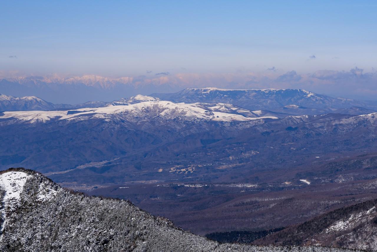 編笠山から見た霧ヶ峰と美ヶ原