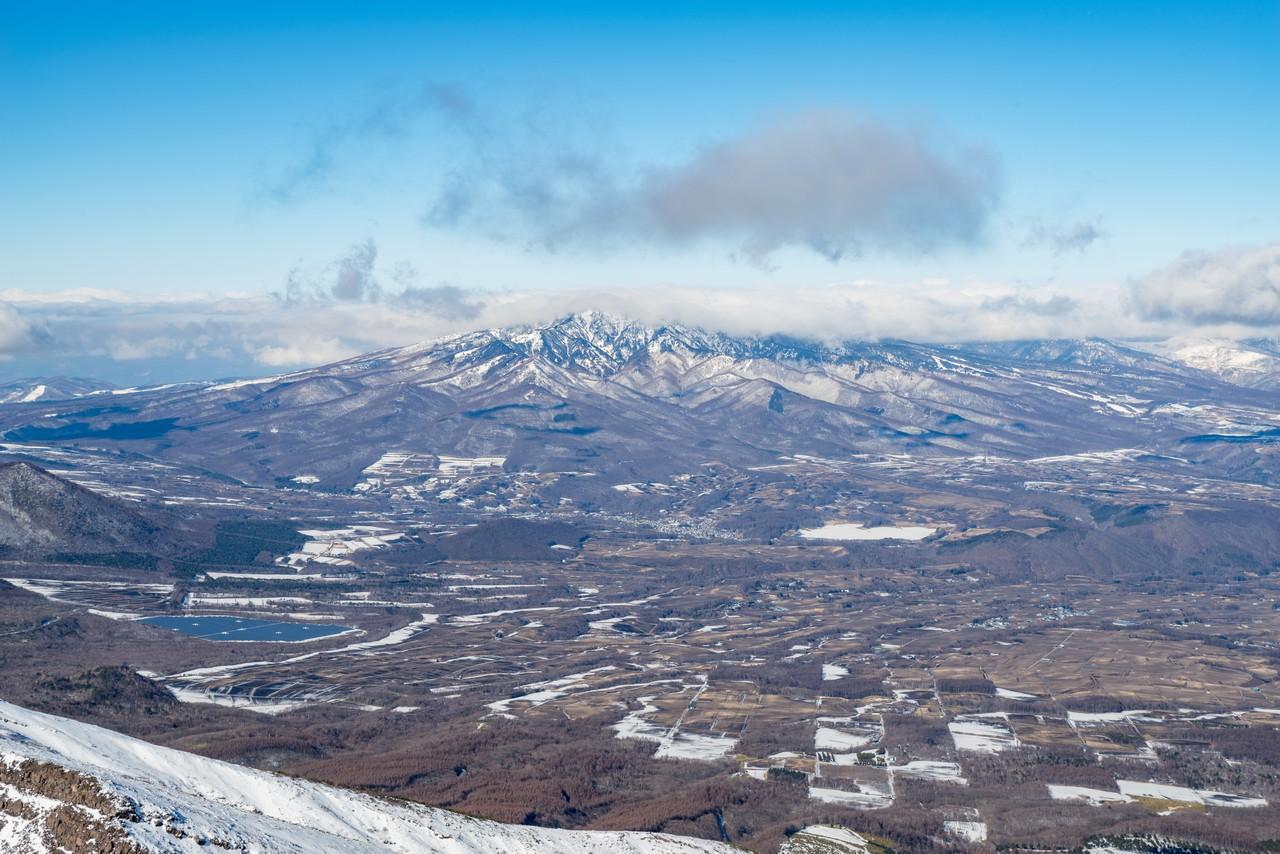 浅間山から見た四阿山