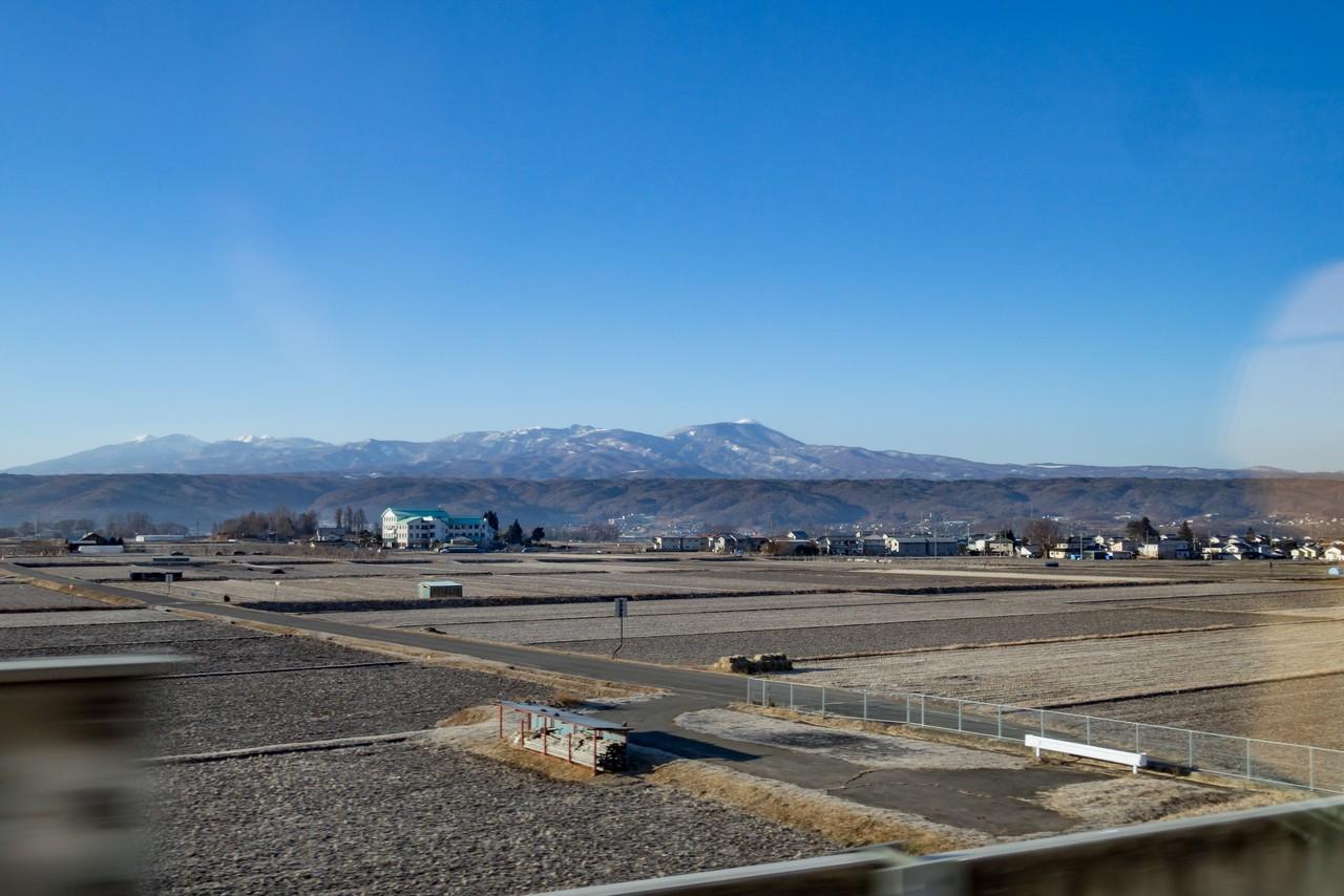 新幹線の車窓から見た八ヶ岳