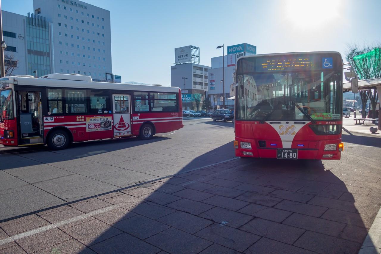 上田駅のバスロータリー
