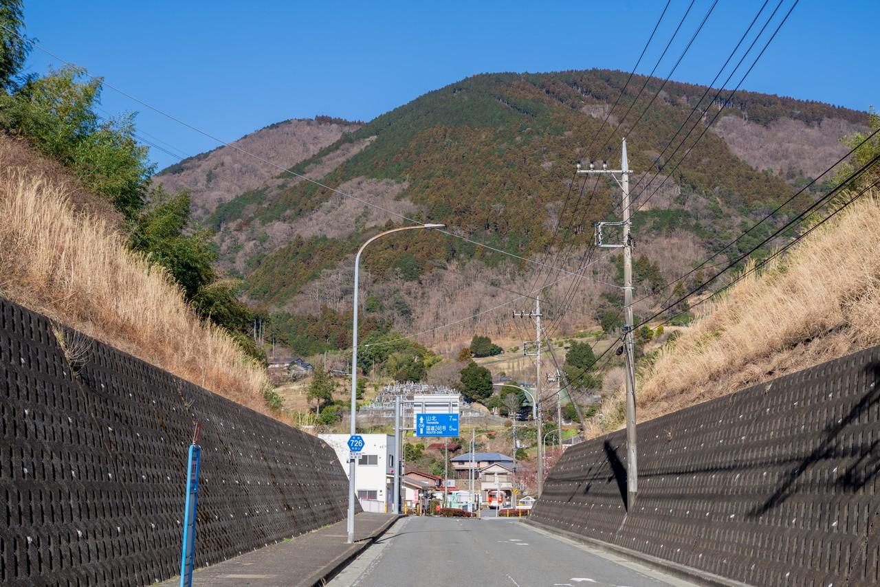 矢倉沢から見た矢倉岳