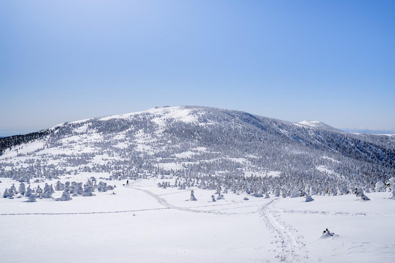 中大巓分岐から見た西吾妻山