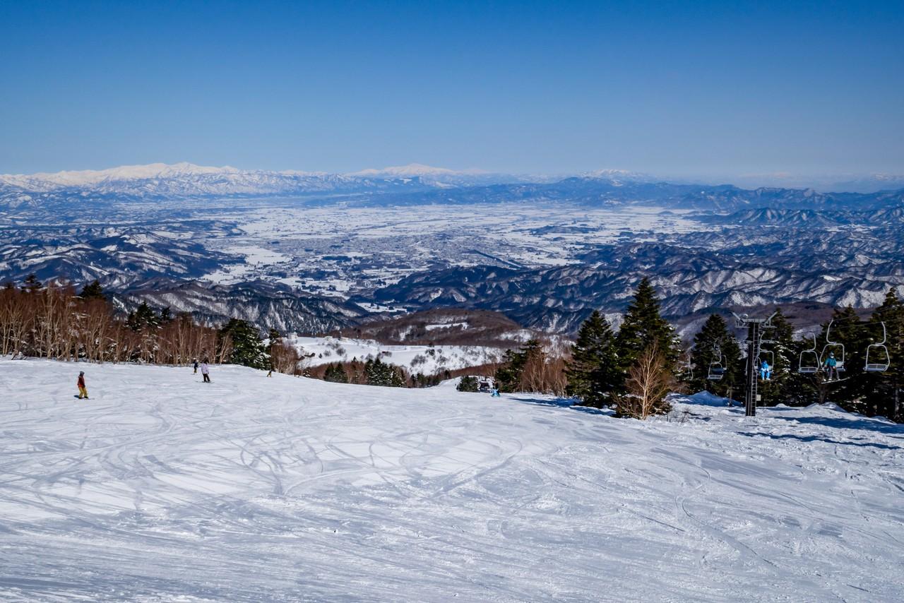 天元台高原スキー場から見た米沢盆地