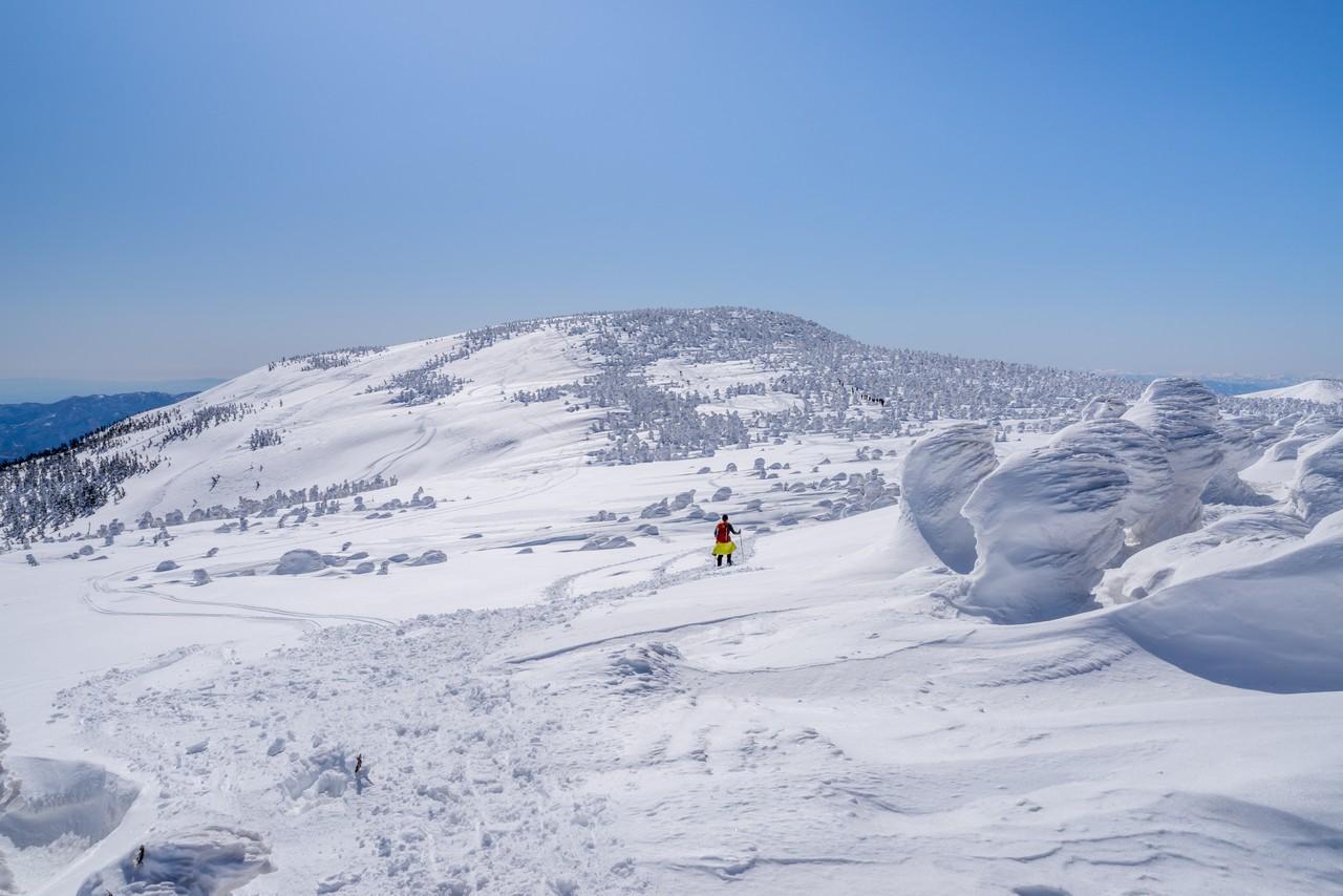 梵天岩から見た西吾妻山