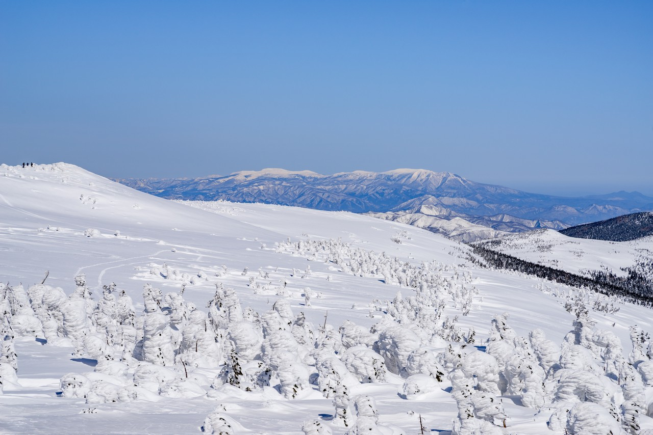 西吾妻山から見た蔵王連峰