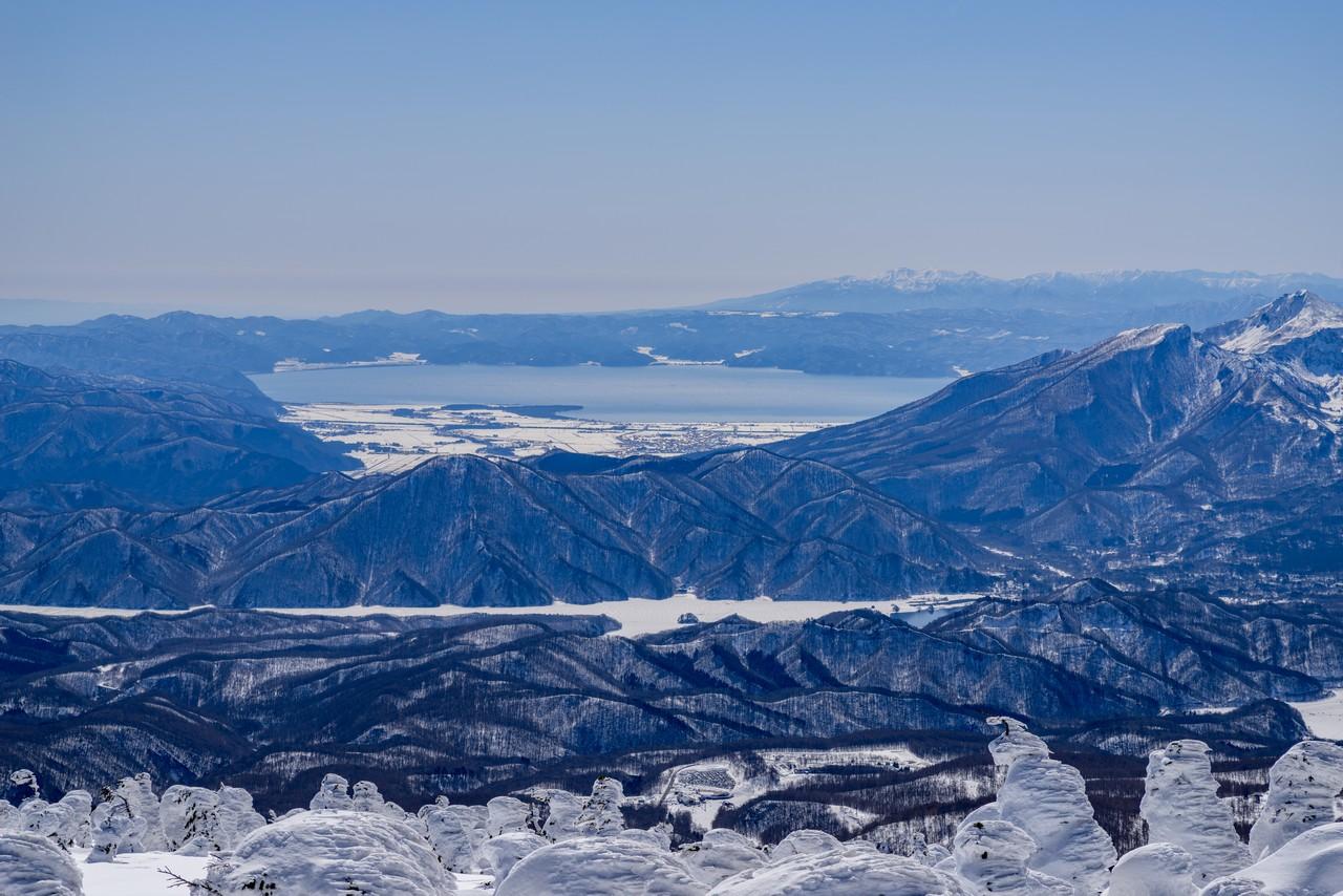 西吾妻山から見た猪苗代湖