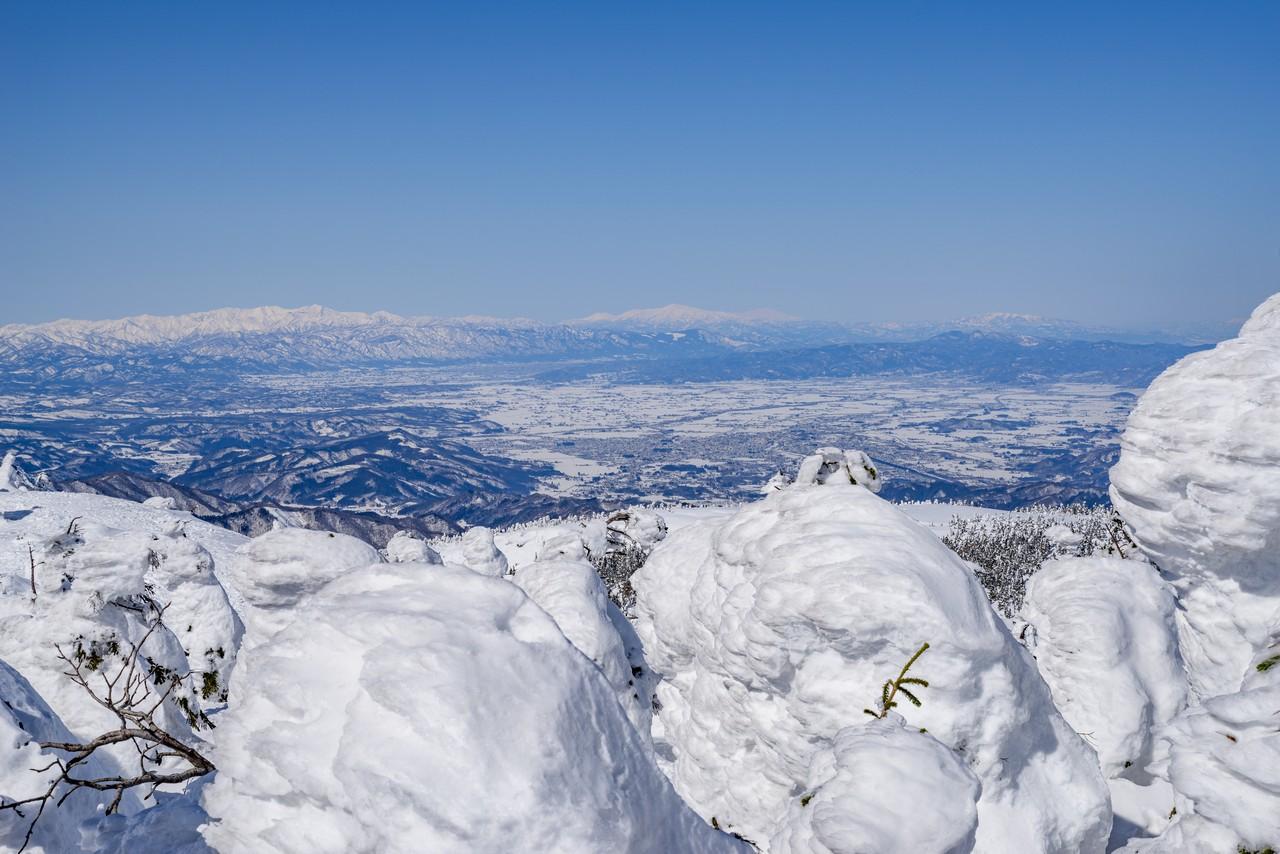 西大巓から見た米沢盆地