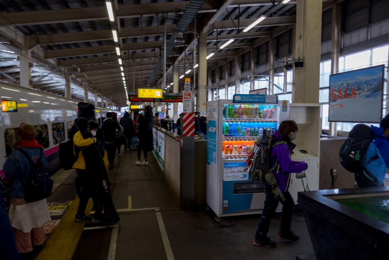 越後湯沢駅の新幹線ホーム