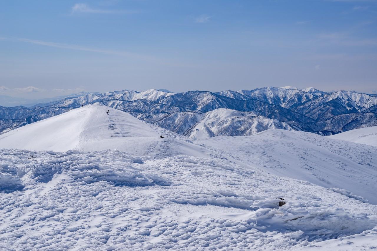 仙ノ倉山から見た志賀高原
