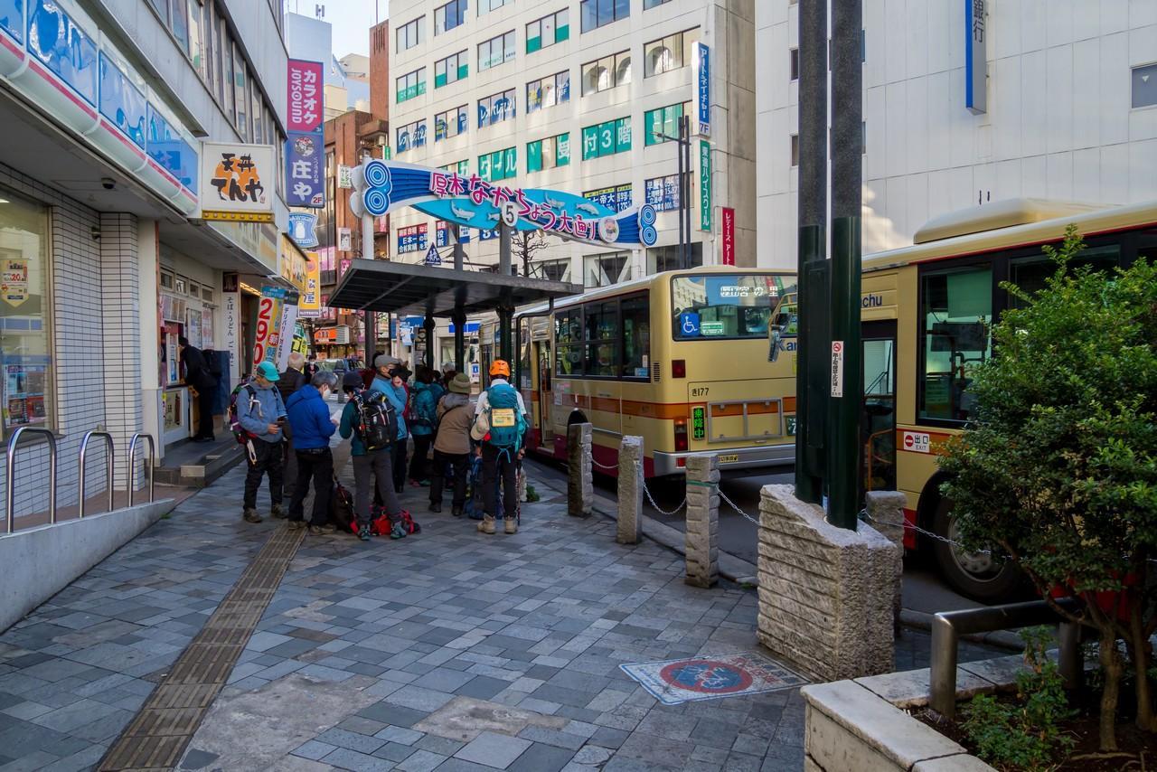 本厚木駅のバス乗り場