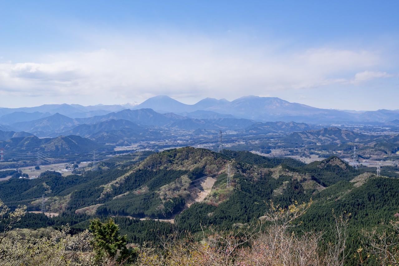 古賀志山 御嶽山から見た日光連山