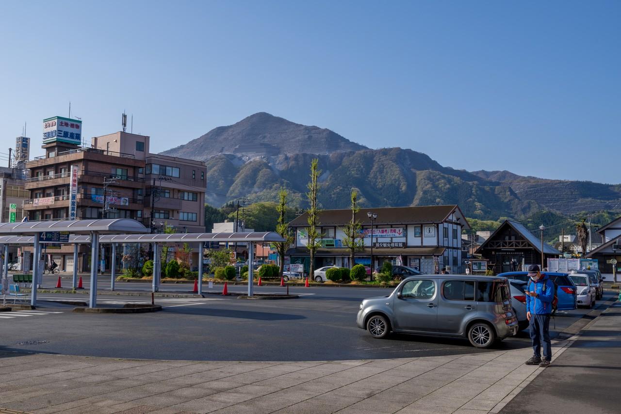 西武秩父駅から見た武甲山