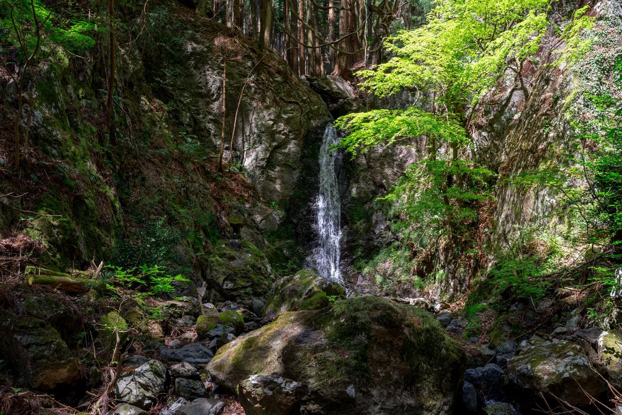 鳴神山の大滝