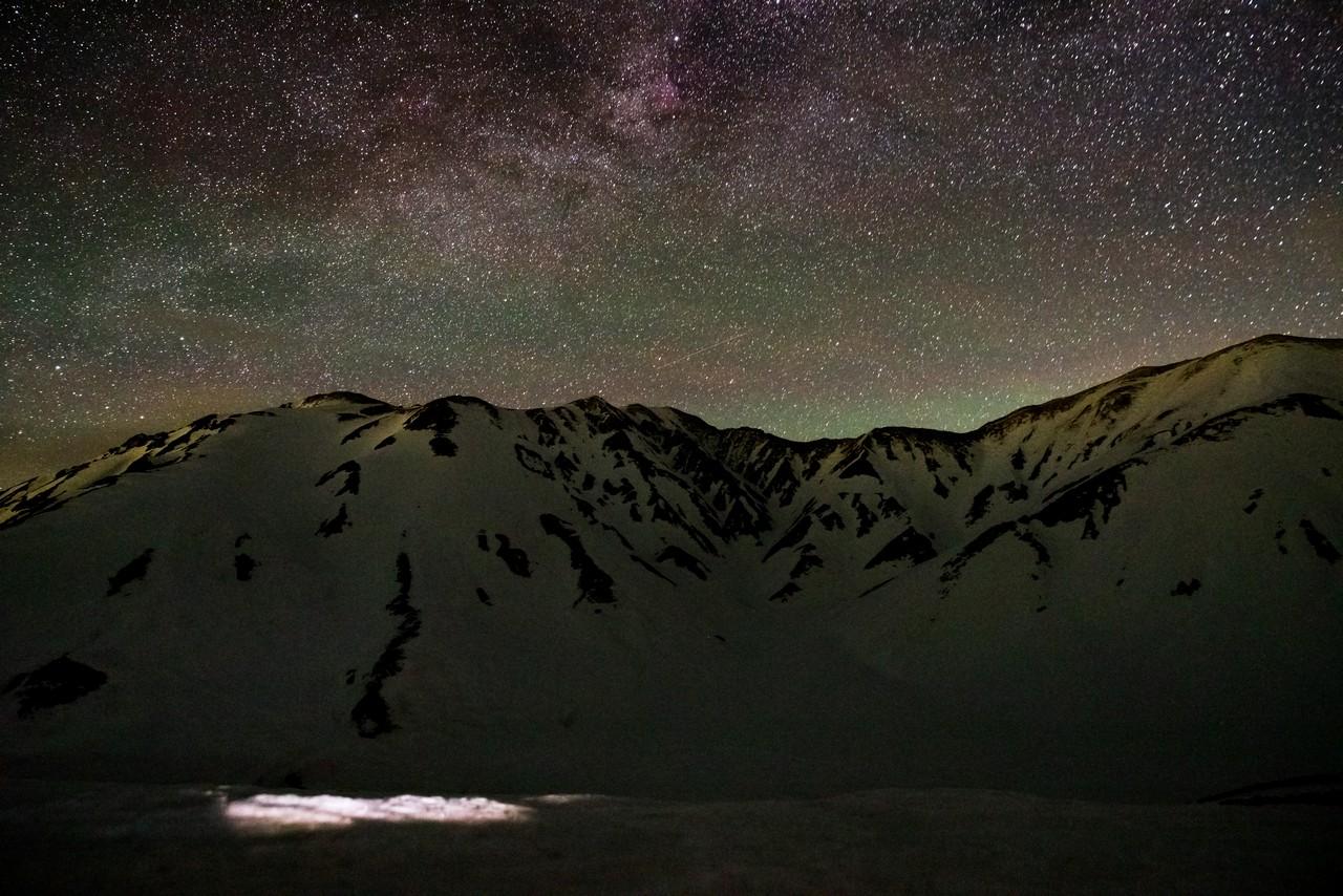 立山と星空