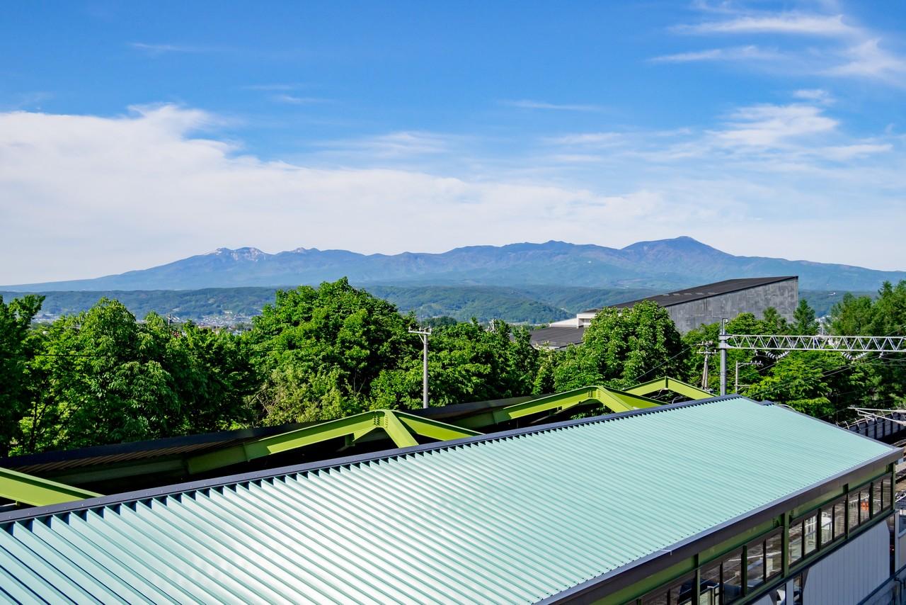 佐久平駅の小海線ホームから見た八ヶ岳