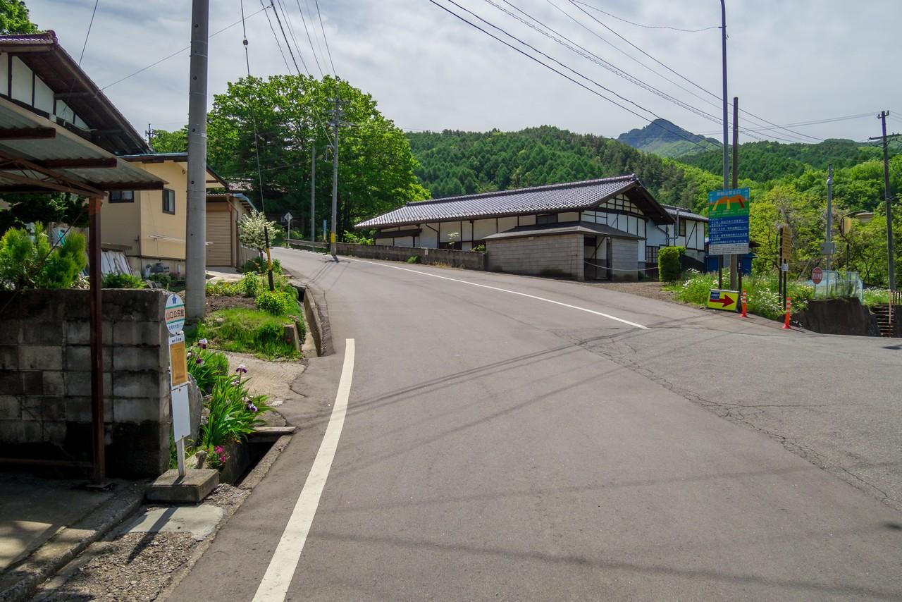 北相木村 山口公民館前バス停