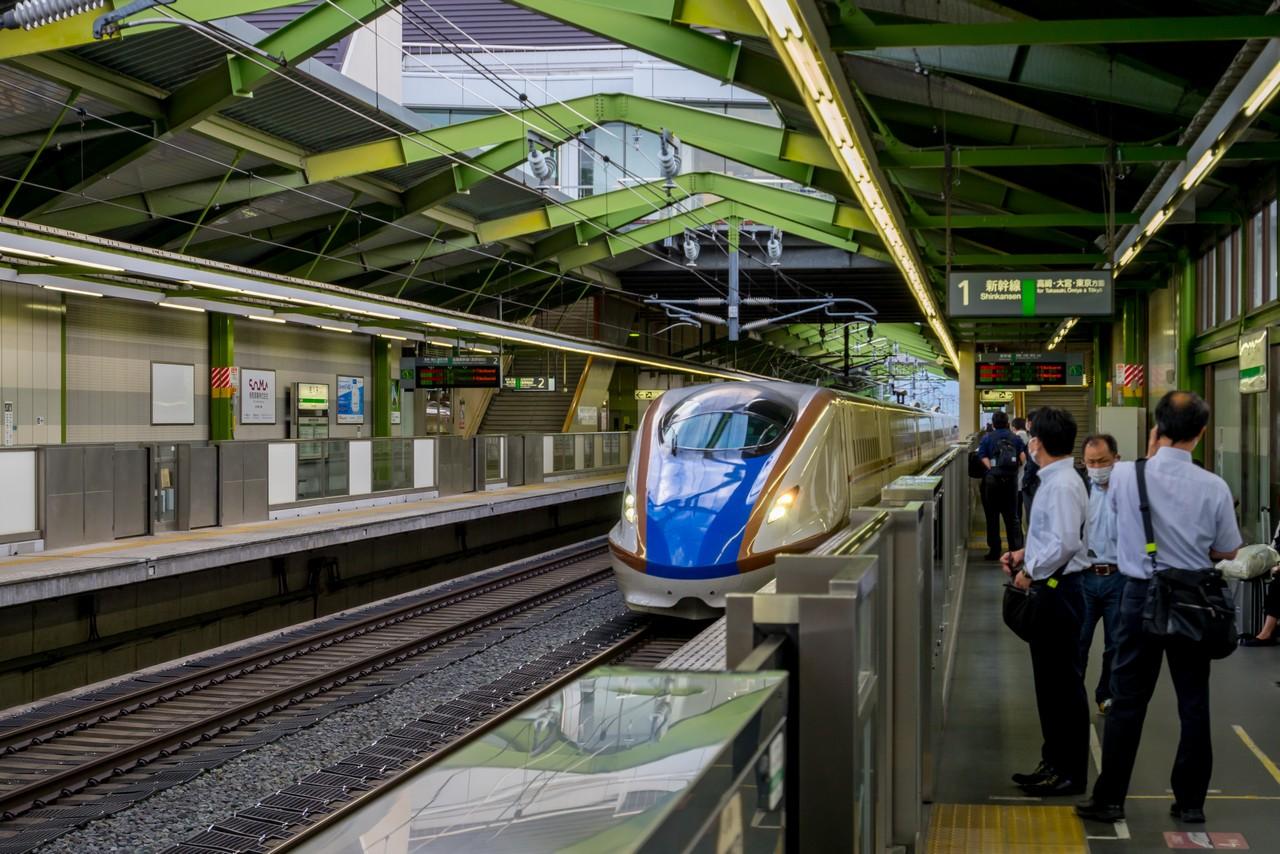 佐久平駅の上り新幹線ホーム