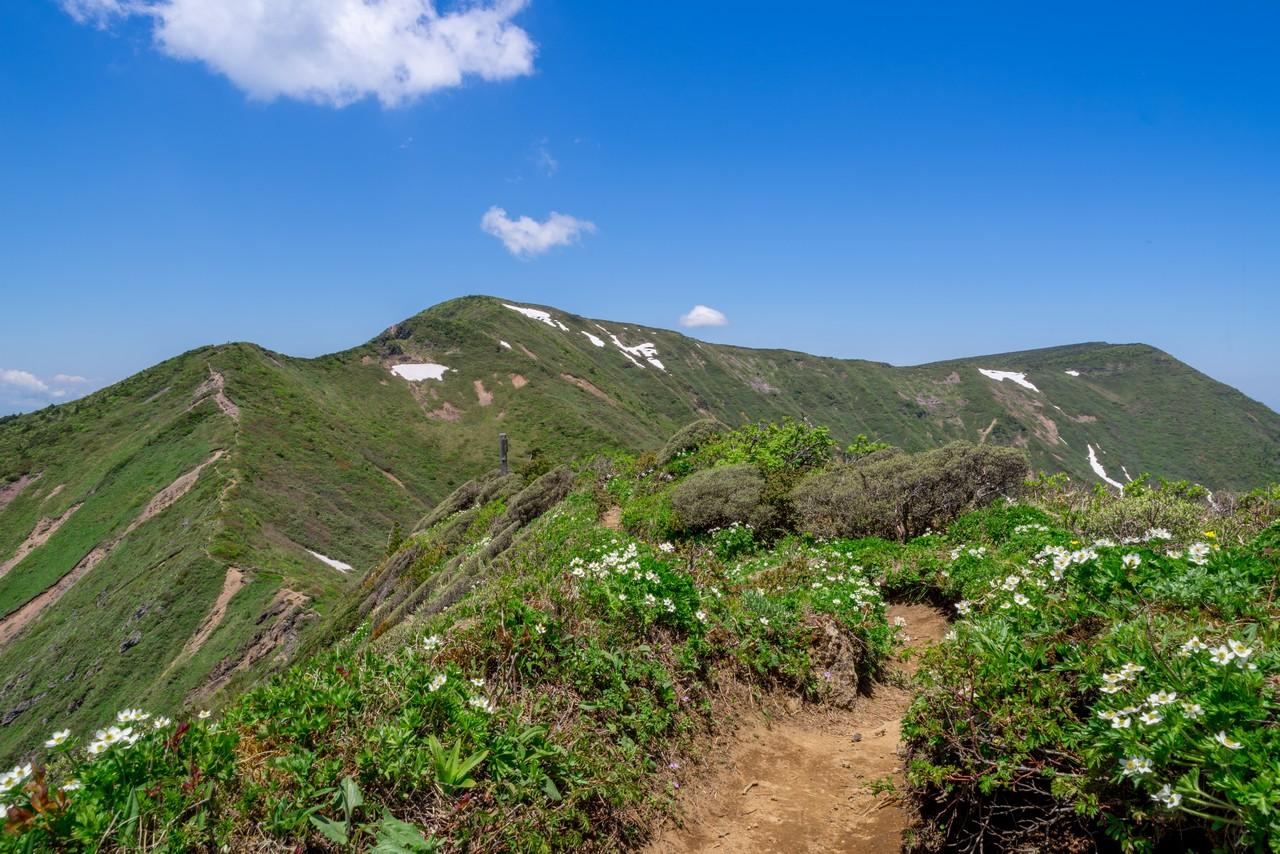 不忘山から見た南屏風岳
