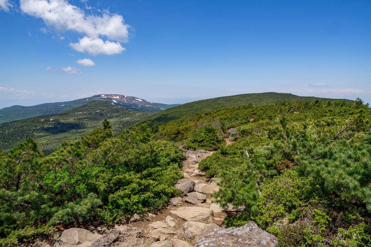 南蔵王縦走路上から見た熊野岳