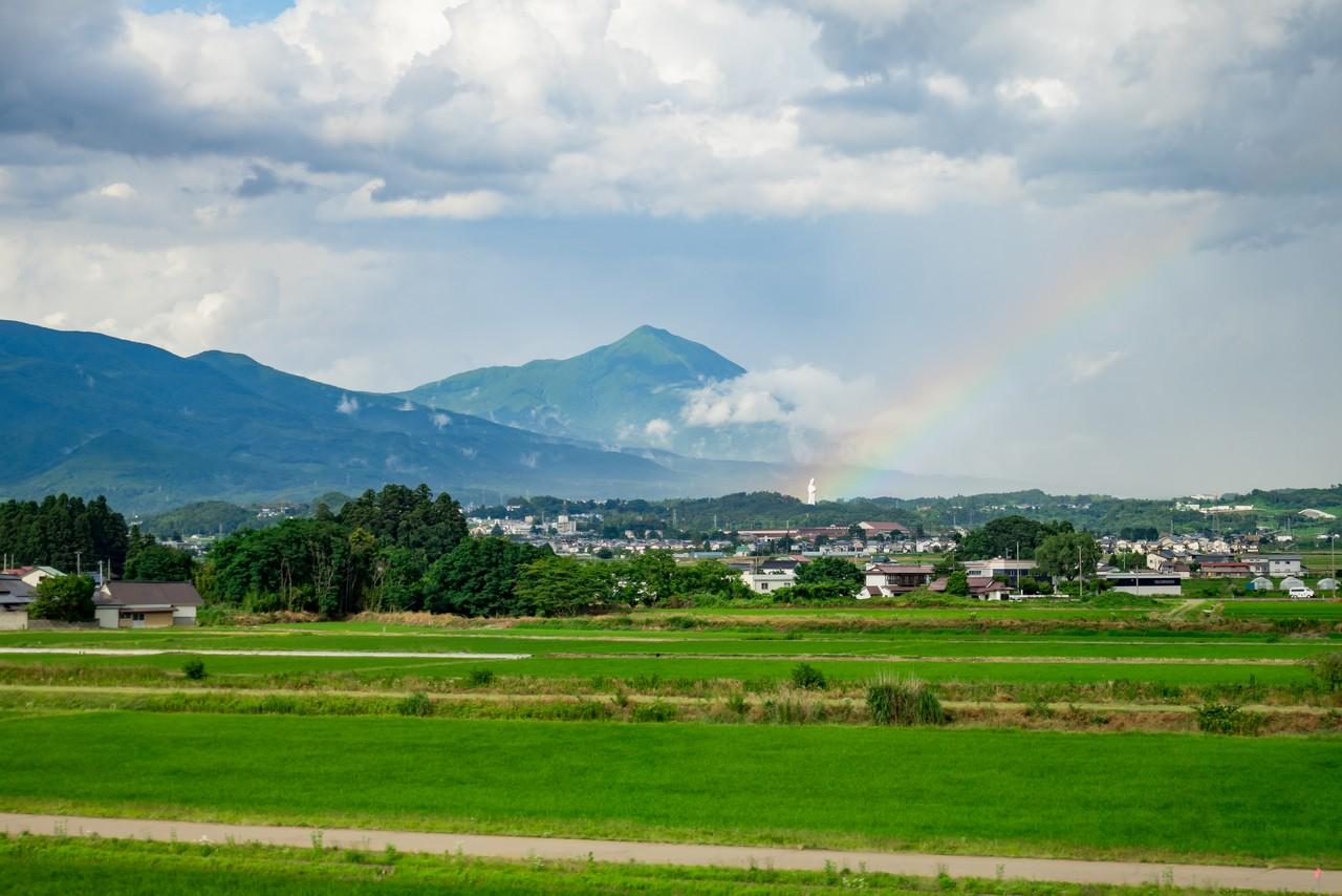 磐梯山と虹