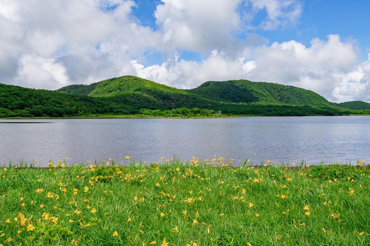 雄国沼から見た雄国山
