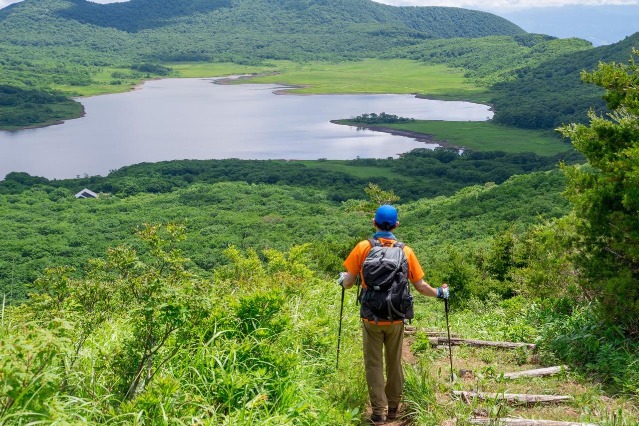3雄国山から見た雄国沼の木道