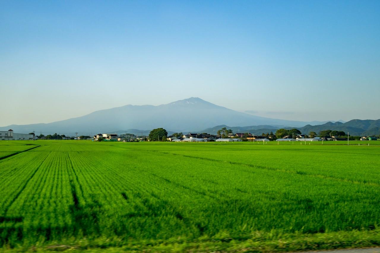酒田付近から見た鳥海山