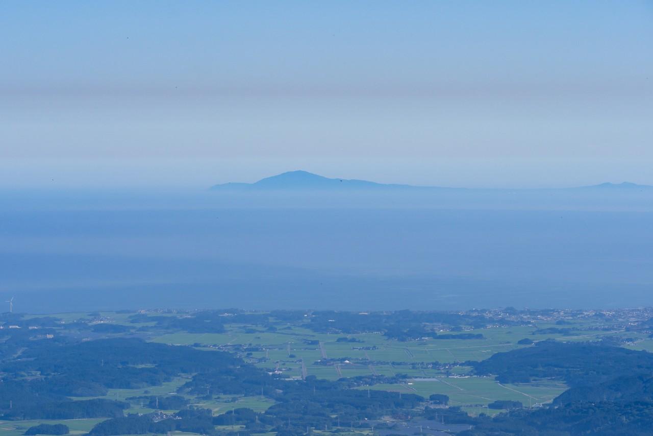 鳥海山から見た寒風山